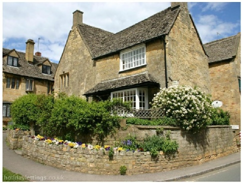 Chipping Campden Cotswolds Gloucestershire England. Rosary Cottage photos are by courtesy of TripAdvisor